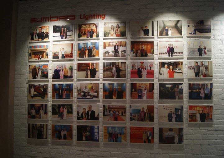 honerable customers photo wall
